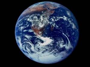earth-full-view_6125_990x742-340x255